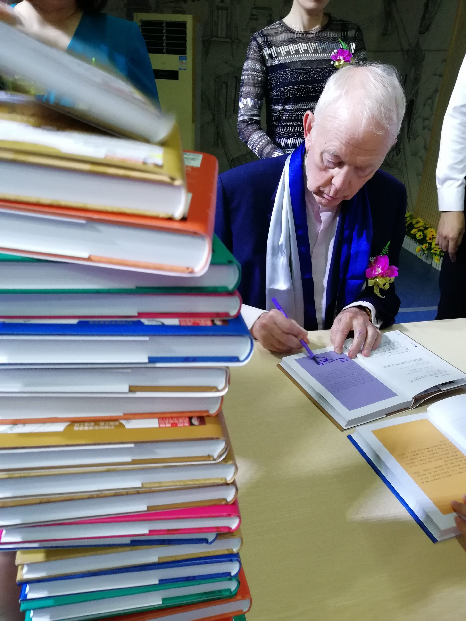 Tony Buzan Licensed Instructor in Speed Reading Training